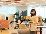 渋谷ヒカリエの21~26階!メディアで話題にもなった超有名なオフィス♪残業は月10時間と、とっても少なめです◎