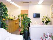 八王子駅から徒歩4分! 待合室にはお花がたくさんあって、 キレイ&癒されます☆*