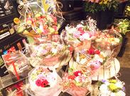 かわいい店内にはたくさんのお花が◎.゜。゜* 見ているだけで幸せな気持ちでイッパイになれますよ♪(・ω・*)