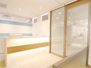 \とてもきれいな医院♪/ ラスカ平塚内だからお仕事終わりのお買い物にも便利です◎