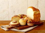 ≪ティータイムに合う人気ブレッド多数≫ 季節のスイーツブレッドはもちろん、 ハード系のパン、お食事に合うパンも充実。