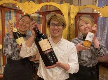 10種類以上の日本酒と、 週ごとに毎月約40種類以上のワインを提供! ソムリエの資格をとりたい方も歓迎♪