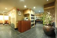 昭和通り沿い♪地下にあるお店です!お料理のおいしさ&雰囲気に惹かれて常連さんも沢山★いつも笑い声が聞こえてきます!