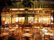 ≪六本木駅すぐ!東京ミッドタウン1F≫ オシャレで開放的なビストロ♪ 海外からのお客様も多いので英語も活かせます!★