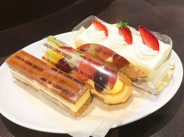 【店舗STAFF】---★人気のSWEETSショップ★---可愛くて美味しいケーキがいっぱい♪お子様の体調不良など急な予定にもしっかり対応します★
