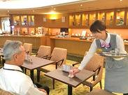 ご提供するメニューはドリンクと軽食のみ♪ 注文取りも簡単ですよ◎ お客様に笑顔でご対応をお願いします*