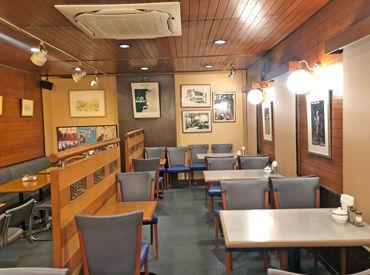古き良き博多の街並みの一角にある 隠れ家みたいなカフェ◆*゜ 店内は昭和の温かみあふれる、ゆったり空間◎