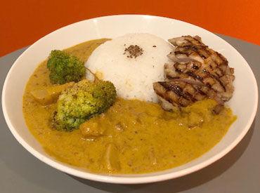 神田カレーグランプリでも大人気の『ココナッツレッドカレー』をまかないで食べれるのはスタッフだけ!!★ 食費の節約にも◎