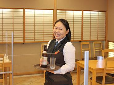 上田駅目の前のキレイなホテル* ホテル内のレストラン・宴会場で 配膳・下膳などのホール業務をお願いします◎