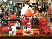 ◆+ステキなバックがいっぱいです◆+ とてもおしゃれなお店も魅力的♪ バッグに興味がある方大歓迎! やりがいも抜群です!