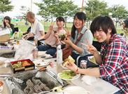 スタッフでBBQを行うことも♪≪12/30≫は忘年会☆お店にある食材(ふぐや和牛etc)をみんなで一緒に食べて楽しむ会です!
