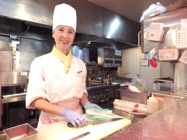【キッチン】\「料理は初めて!」⇒でも大丈夫♪/【1日3h~OK】学校や家庭と両立もらくらく◎主婦さん~高校生まで活躍中!