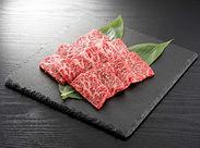 """当店で提供するお肉は「博多和牛」をはじめ、「壱岐牛」「糸島牛」「伊万里牛」など""""本物""""のみ。"""