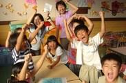 """受験生の担当ではないので、子どもたちと一緒に""""楽しむ""""ことが大切♪*楽しげな笑い声が響く、明るい教室です◎"""