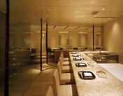 ペニンシュラホテル内の和食店【京都つる家】。敷居が高すぎることなくアットホームな職場です◎
