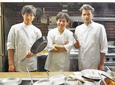 【店内staff】長く愛されるヒミツは…「料理が美味しい」ダケじゃない!スタッフの「働きやすさ」にあり★レトロな雰囲気のお店で働こう♪