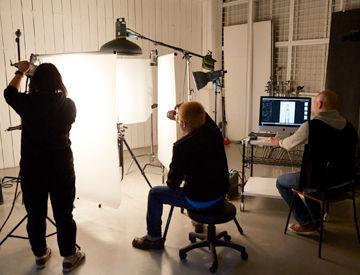 【カメラマンアシスタント】*プロのカメラマンを目指す方*好きなことを仕事にしたい方など大歓迎★機材のセッティング・データ加工など1から教えます!!