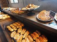 石窯で焼き上げるこだわりのパンはどれも絶品☆「パンが大好き…」そんな方にはたまらないお仕事です♪オトクな【社割】あり◎