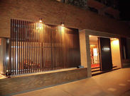 ~ホテル内のレストランSTAFF♪~ ビジネスや観光で利用されるお客様がメイン!落ち着いた雰囲気のホテルです。