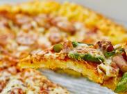 こだわりのピッツァは種類も豊富!ポピュラーなマルゲリータからバニラアイスがのったスイーツピッツァまで!