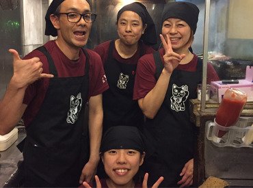 【ホール・キッチン】美味しいやきとりと釜めしがメインのお店です。学生を中心に、主婦・フリーター・Wワーカーと様々なスタッフが活躍中!