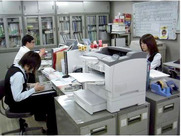 キレイ&快適なオフィスです♪スタッフは20~50代まで幅ひろ~い年代の方が活躍しています!!