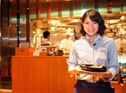 『料理、美味しいね!何使ってるの?』なんて会話が弾むことも♪ お客様と距離が近い接客ができるのが嬉しいです!(20代女性)