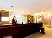 駅からスグのホテル★いらっしゃったお客さまを笑顔でお出迎え♪未経験の方も大歓迎です*
