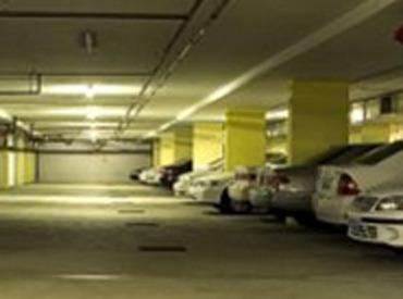 【駐車場管理】\プライベートとの両立もバッチリ!/エアコン完備の快適な警備室でのお仕事♪難しい作業はありません◎⇒未経験も安心!