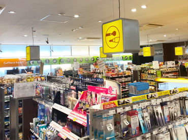 お店は霞が関ビルディングの中♪ ファミリーマートだけど、 少しオトナな雰囲気でオシャレなお店です◎