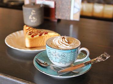 食器1つ1つにも当店のこだわりが♪ 喫茶店で働きたい方、大歓迎! 本格的なコーヒーの淹れ方が学べます◎