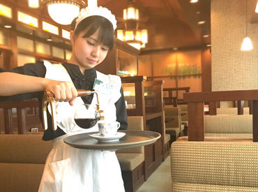 憧れのCafeバイト始めませんか? ロマン漂う落ち着いた空間…♪ 可愛い制服もスタッフに大好評★ お気軽にご応募くださいね◎
