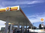 ■レジなし!接客らくらく■ 半分セルフ化のガソリンスタンド◎ お金を扱うことはありません♪ 給油したり...覚えたらカンタン!!
