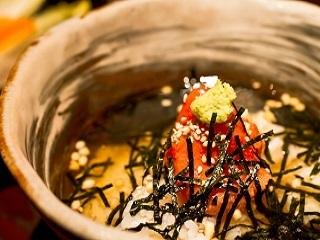 【調理】★「オシャレ」なお茶漬け屋さんでキッチンスタッフ募集!家庭で食べるお茶漬けの概念を変える、だし茶漬けを提供!★