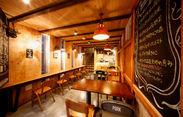 """本場北海道を思わせる赤レンガと、木目調の織り成すあったかい雰囲気。 自然と""""ほっこり""""とした気持ちになれるお店です*゚"""