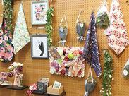 人気の雑貨や、かわいい文具たちに囲まれて働けます◎新しく生まれ変わったピカピカのお店を、一緒に盛り上げていきましょう♪*