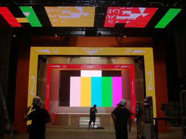 【映像演出サポートSTAFF】クリエイティブな映像の仕事に興味がある方注目♪まずは機材の搬入~設営からスタート◎正社員になれば映像演出に携わる事も!