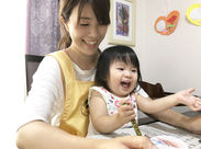 勤務地は豊島区内のご利用者様宅。お絵描きが大好きな子と一緒に、ぬりぬり中◎時間が経つのもあっという間ですよ。