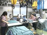 クリーニング前の衣類を検品したり、クリーニングし終わった後の衣類を仕分けたり梱包したり…どれもカンタンなお仕事です♪