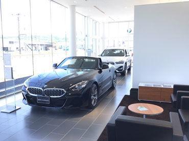 現在幅広い年代のスタッフ活躍中◎ BMW/MINIに携われる 滅多に経験できないお仕事★ 車好きな方におススメです♪