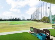 都内最大級のゴルフ場で、緑に囲まれて働こう!しっかり働いて稼ぎたいフリーターさん歓迎◎30~50代の男性スタッフ多数活躍中!