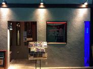 ≪ダークブラウンの落ち着いた店内♪≫ お客様も年齢層が高め◎ しっとりお酒と料理を楽しみに 来てくださる方ばかりです!