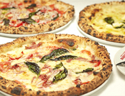 世界が認めた、本格的なピッツアが大人気!飲食店で働き続けたい/接客スキルを磨きたい/ランチ・ラスト出れる方大歓迎!