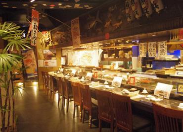★*絶品まかない無料*★ 一人暮らしさんにはこの上ない待遇◎ まかないはお寿司だけじゃない! 揚げ物なども♪み~んな大好き★