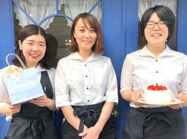 【カフェStaff】★絶品ケーキをお客様へ♪★«SNS映え◎»フランス風のオシャレなお店★*リニューアルオープンしました☆応募待ってます♪◎