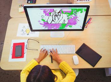 【グラフィックデザイナー】\あなたのデザインスキル活かせます/【素直さ】と【やってみたい♪】そんな気持ちがあればOKシフトは自由♪土日祝休み◎
