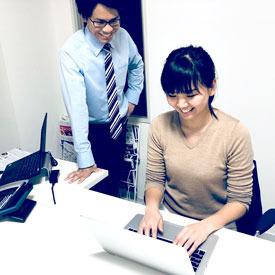 【一般事務Staff】☆13時以降出勤♪あなたらしく働ける☆もう一つの仕事や、夢中なものとの両立もOK◎多様性のある職場でいきいきと働けますよ♪