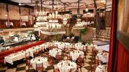 プラチナ通りにある古城モチーフのレストラン★夜は外観もライトアップされ、さらにロマンチックな空間に…♪+*