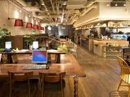 ▼お子さま連れの食事会/夜CAFE/映画前の1人ランチetc -穏やかに流れる時間の中、 多くの人に愛される北欧風カフェです。