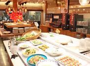 こだわりの食材を使った美味しいお料理が人気のバイキングレストラン! あなたの最高の笑顔でお客様をおもてなししてください★